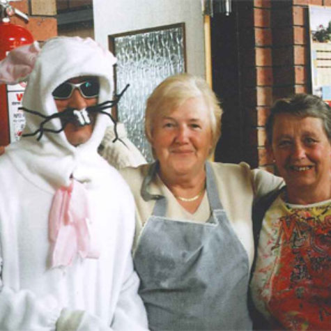 Easter-Bunny-with-ladies